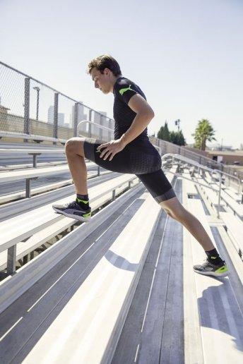20SS_xRT_xBionic_Athlete-Shoot_Mondo_Duplantis_02_Run_Shirt_1042_RGB