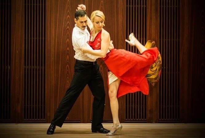 A tango artist travelling all around the World