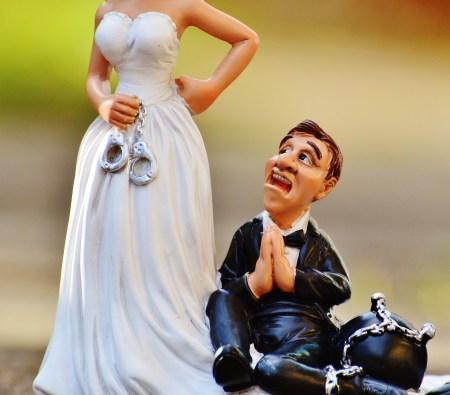 結婚式を節約しようとして、喧嘩が起こるカップルのための効果的な節約術!