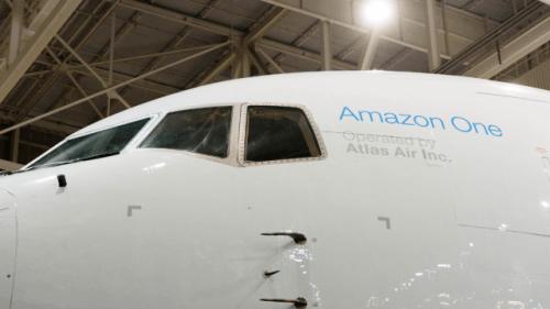 """Un 767-300 fue convertido para convertirse en el """"Amazon One"""""""