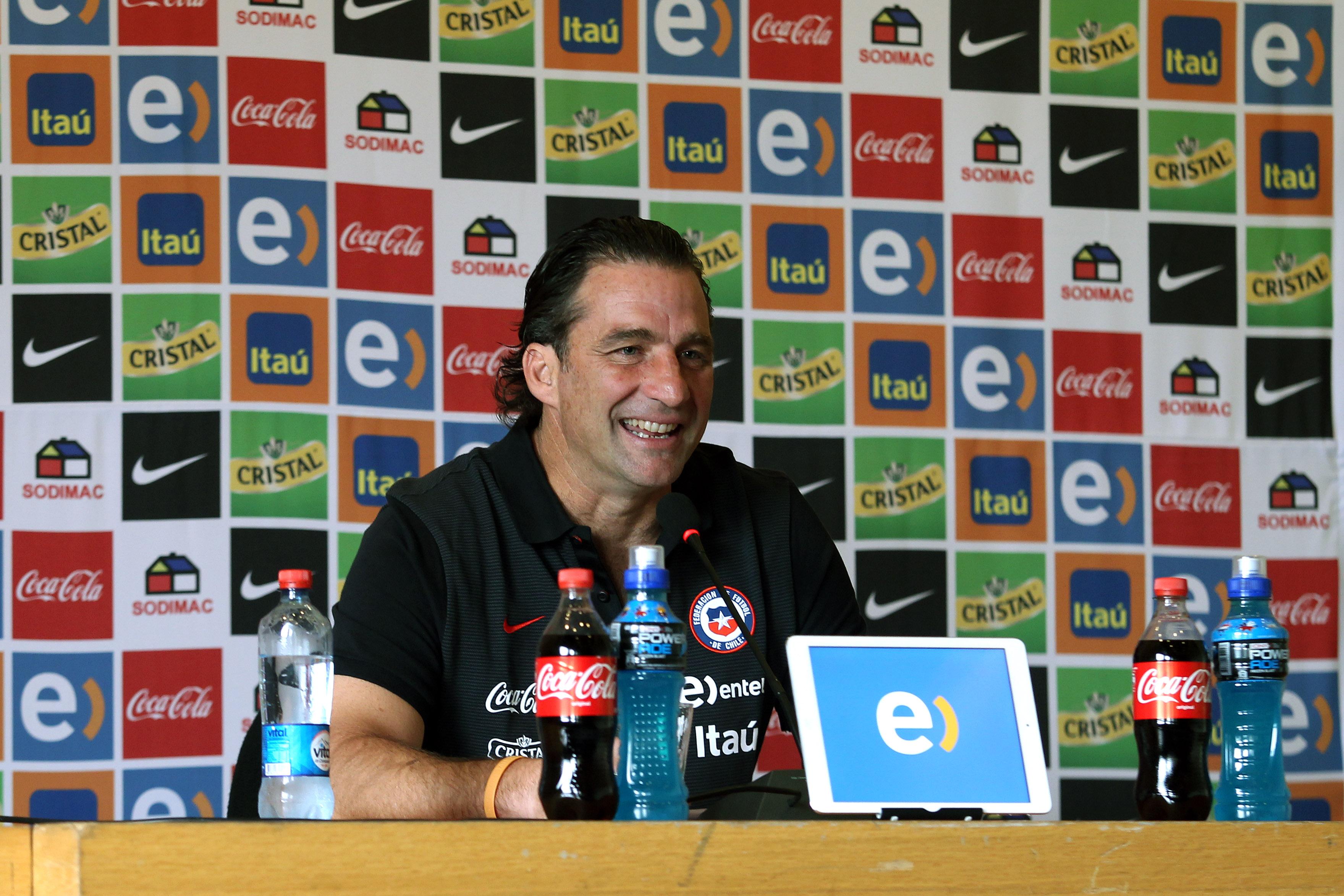 Juan Antonio Pizzi entregó la nómina de jugadores en el extranjero