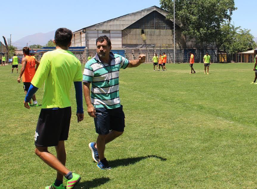 Ricardo «Manteca» González inició su etapa como entrenador en Trasandino