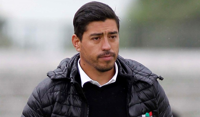 Nicolás Córdova fue ratificado para dirigir a Santiago Wanderers