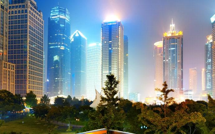 Edificios inteligentes cuentan con instalaciones y sistemas que permiten una administración y control integrados y automatizados.