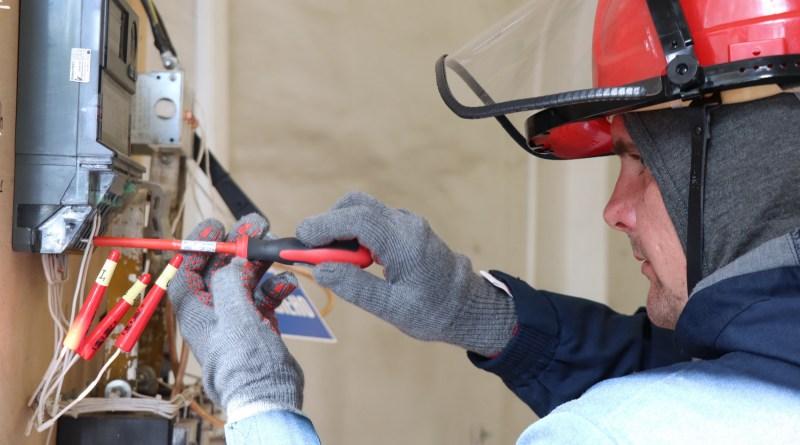 Энергетики «Россети Центр и Приволжье Калугаэнерго» увеличивают частоту рейдов по борьбе с энерговоровством
