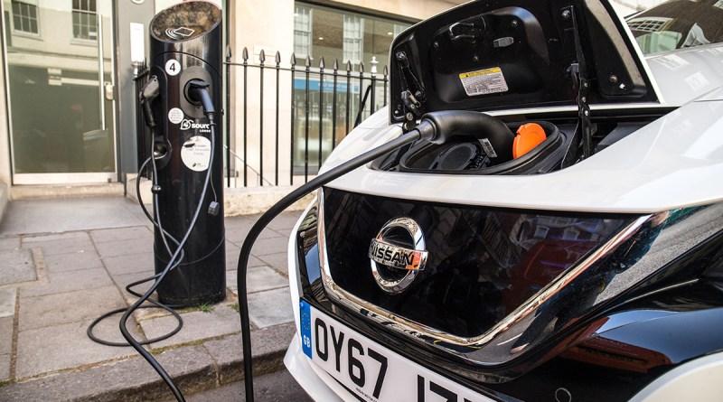 Осуществим ли амбициозный план Великобритании по выпуску 30 миллионов электромобилей?