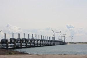 powertower-bouyant-hydraulische-stromspeicher