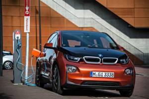 BMW-solarbatterie-sonnenbatterie