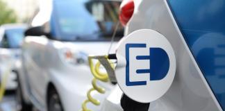 grossspeicher-batterieparks-elektromobilitaet-daimler
