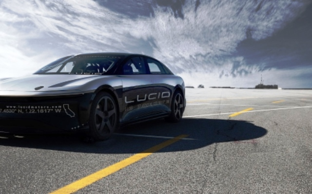Lucid Air Laden