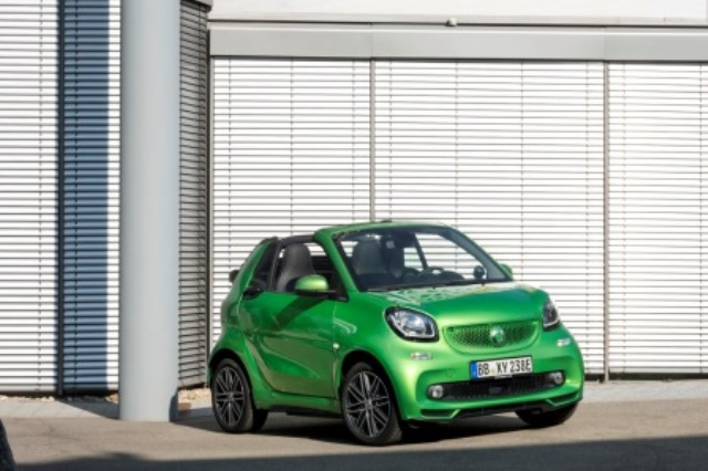 smart fortwo electric drive preis reichweite und tests. Black Bedroom Furniture Sets. Home Design Ideas