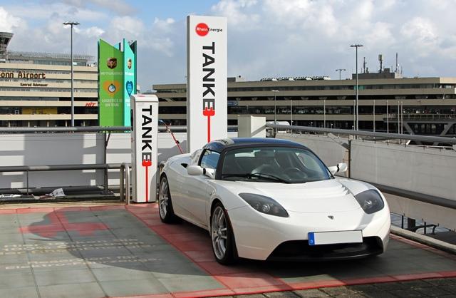 stromnetz-elektroautos-kosten