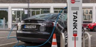 elektroauto-schneller-laden
