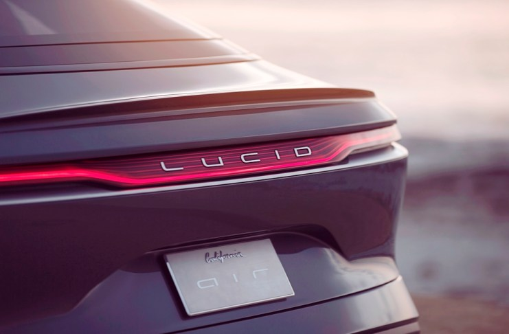 lucid-air-tanken