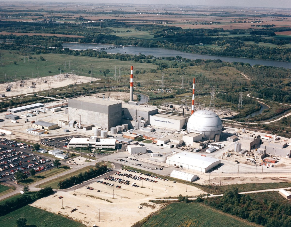 An aerial view of the Dresden Nuclear Power Station near Morris, Illinois.