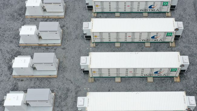 Duke Energy Florida announces three new battery storage sites,including special needs shelter and first pairing with utility solar