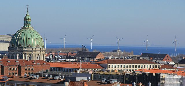 Is Copenhagen abandoning Denmark's climate goals? (Photo by Alyson Hurt (https://www.flickr.com/photos/alykat/), modified, CC BY-NC 2.0)