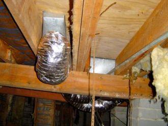 crawl space duct moisture problem