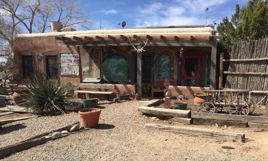 santa-fe-new-mexico-roadside-diner.jpg