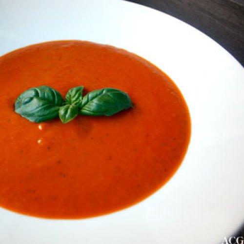 klassisk tomatsuppe med basilikum
