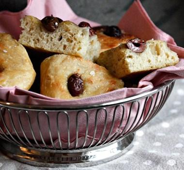 eltefritt foccaciabrød med oliven