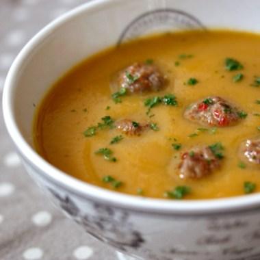 Rotsuppe med kjøttboller