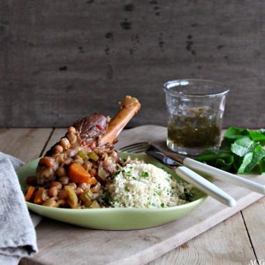 Bilde av tallerken med lammeskank og couscous