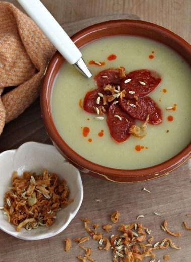 Suppebolle med potet- og fennikelsuppe