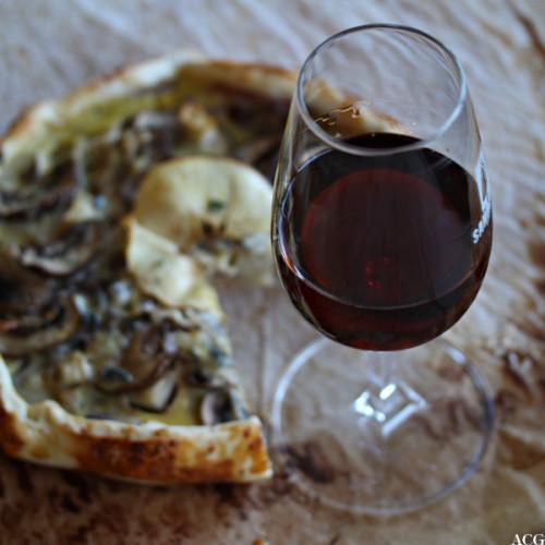 Glass med tawny portvin og pai med sopp, eple og blåmuggost