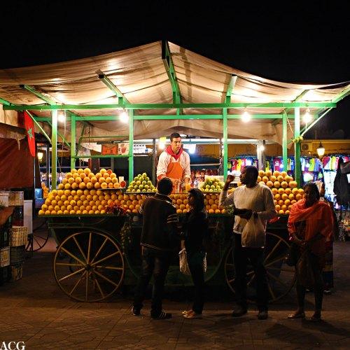 Juice-selger på torget i Marrakech