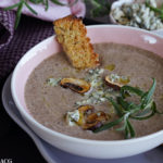 Kremet soppsuppe med blåmuggost