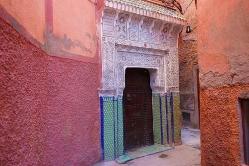 Ornamental dør i medinaen i Marrakech