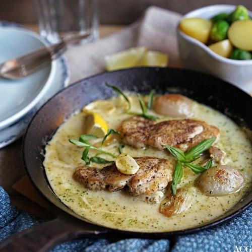 kremet kylling med estragon og rosenkål