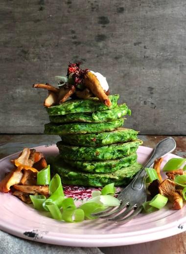 squashkaker med spinat og stekt sopp