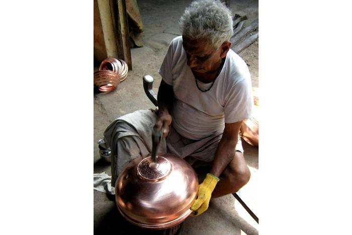 कोरोना लॉकडाउन महामारी कारीगर बर्तन महाराष्ट्र