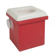 Le Coyote Bagless Toilet System pour chier dans les bois en camp facilement.