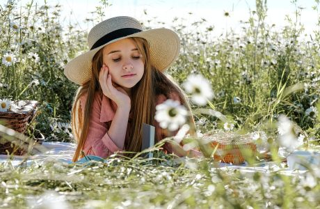 Activités sensorielles et Education à la Nature et dans la Nature sont les atouts de la pédagogie Montessori.
