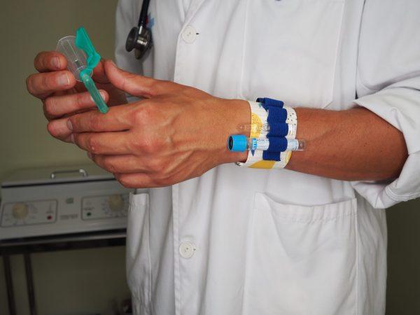 pulser para chico extraccion analíticas enfermeria