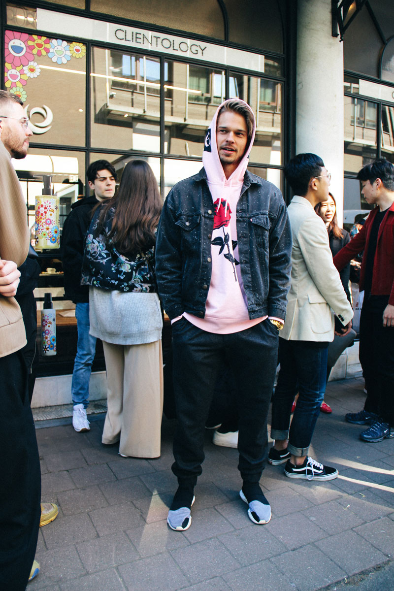 LOOK XXXV: How DJ Bart de Roos wore his bubblegum pink hoodie