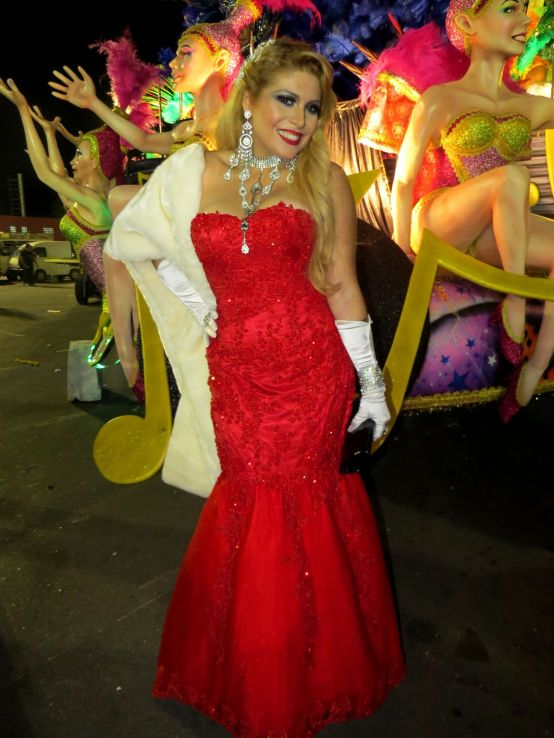 Adryana Ribeiro - Ex Adryana e a Rapaziada