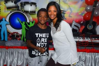Kaik com a mãe Fabiana