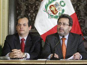 Presidente del Consejo de Ministros, Juan Jiménez, y el titular de Economía y Finanzas, Luis Miguel Castilla. ANDINA/Prensa Presidencia
