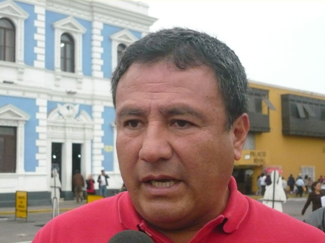 Moises Arias