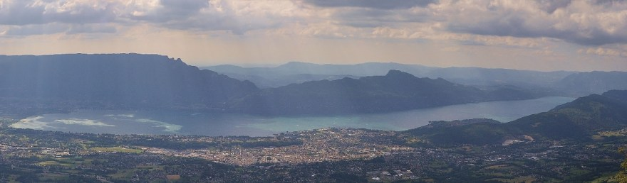 Lac du Bourget, dans toute sa longueur