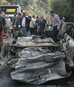 Explosion kills prominent Lebanese editor and two others,TV channels report