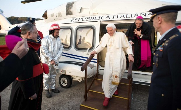 Ex-Pope Relaxes as Cardinals Prepare for Vote