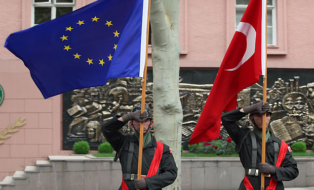 Turkey sees movement on EU membership bid