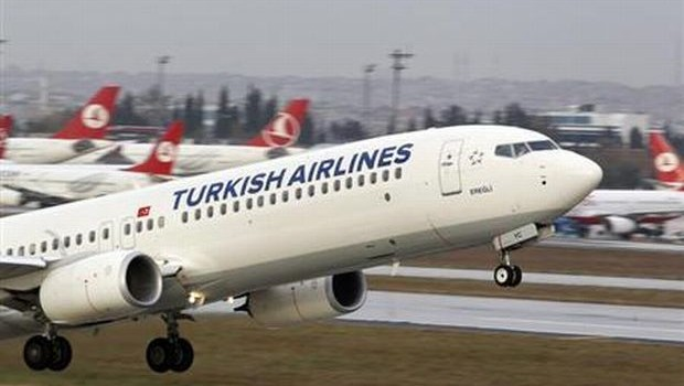 Turkish airlines backs down on lipstick ban