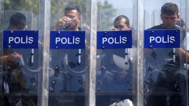 Sporadic clashes in Turkey as Erdogan asserts authority