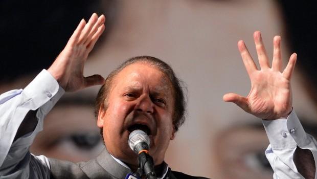 New Pakistani PM vows to fix economy, stop drones